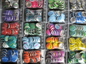 1 inch buttons in bags